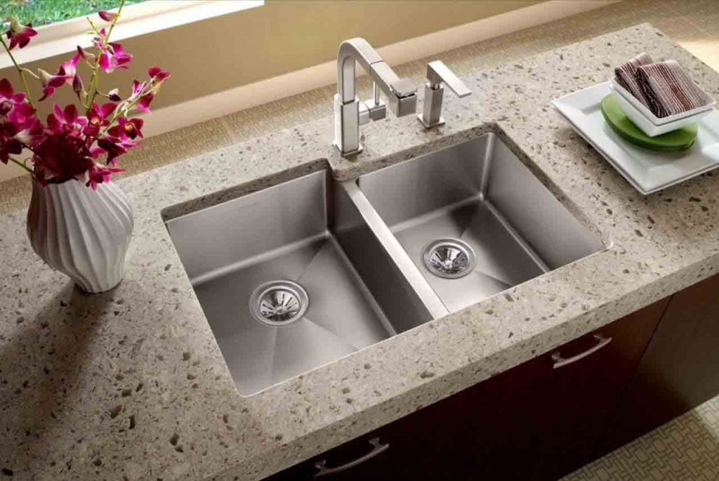 Best Pull Out Kitchen Faucets Review | 7 Reviews And Top Picks